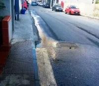 Reggio Calabria: perdita d'acqua da luglio in via Sbarre centrali [FOTO]