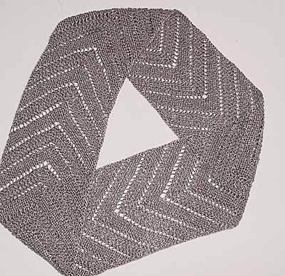 Lochmuster-Möbiusschal; lace Moebius scarf
