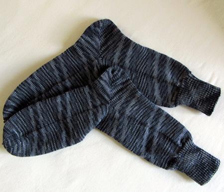 graue Ringelsocken aus Red Heart Sport Socks Color