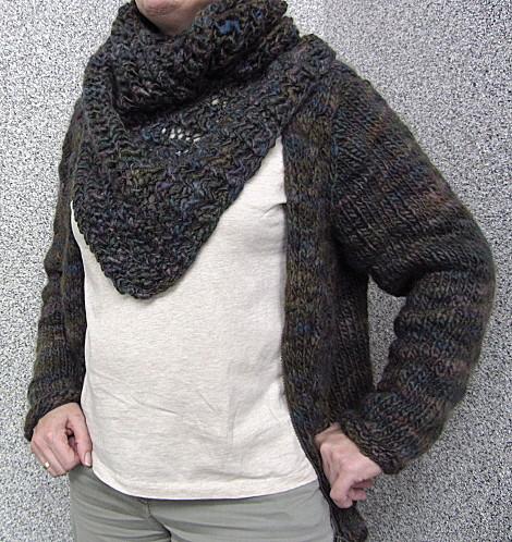 Domek Schal getragen