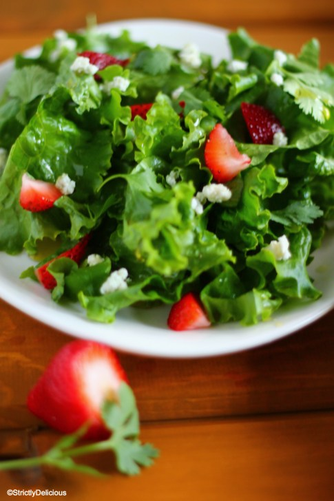 Simple Strawberry Cilantro Amp Bleu Cheese Salad