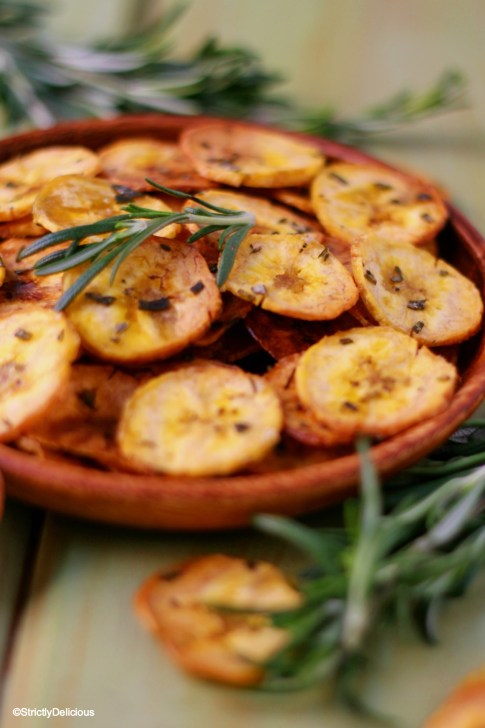 How to Make Plantain Chips | StrictlyDelicious.com