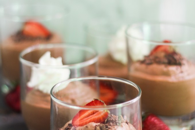 Easy Earl Grey Chocolate Mousse | StrictlyDelicious.com