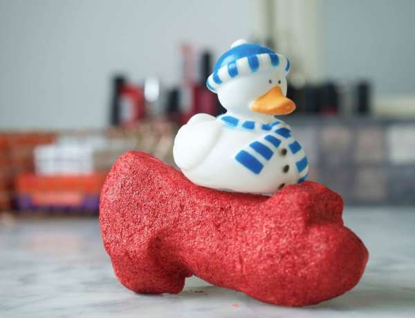 Lush Red Ruby Slippers Bubble Bar