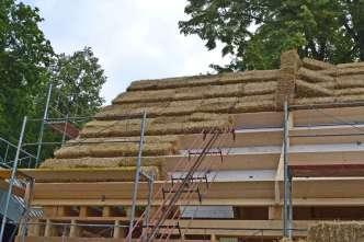 strawbalehouse-ernstbrunn-roof-infill-7