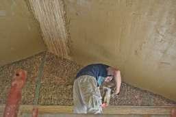 strawbalehouse-summerau-clayplaster-19