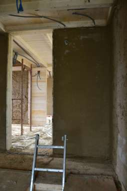 strawbalehouse-summerau-clayplaster-28
