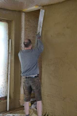 strawbalehouse-summerau-clayplaster-77