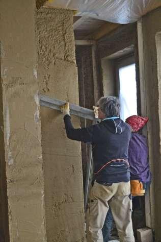 strawbalehouse-summerau-clayplaster-87