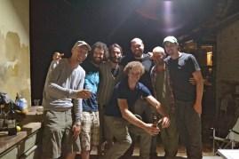 Die Zimmerer bei der Gleichenfeier: Martin, Sebastian (Bauherr), Gonzalo, Diego, Jascha, David
