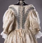 suknia z adamaszku jedwabnego 1660 (7 of 8)