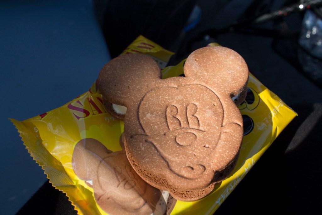 Mickey Ice-cream sandwich Tokyo Disneyland