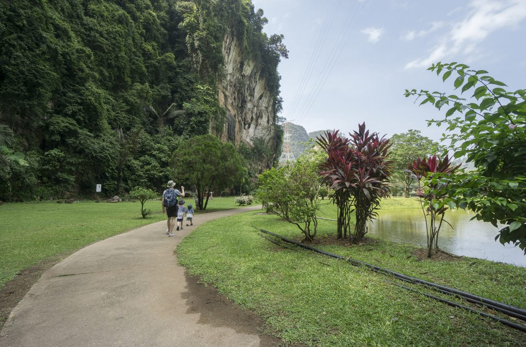 Kek lok tong garden