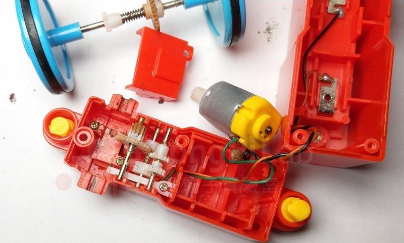 玩具火車 齒輪箱的內部