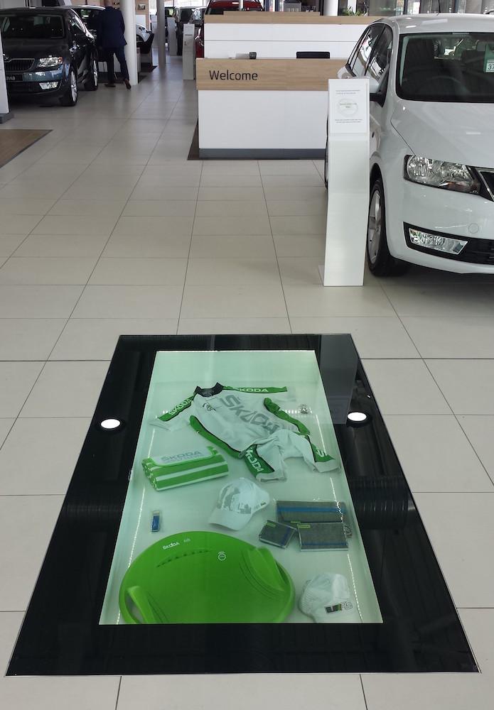 drive on glass floor display