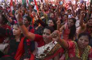 India: Workers strike against right-wing government