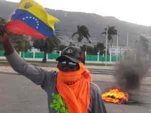 As U.S. coup stalls in Venezuela, Haiti rebels