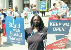 NYC postal workers rally