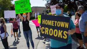 Big investors gobble up trailer parks, profit from housing crisis