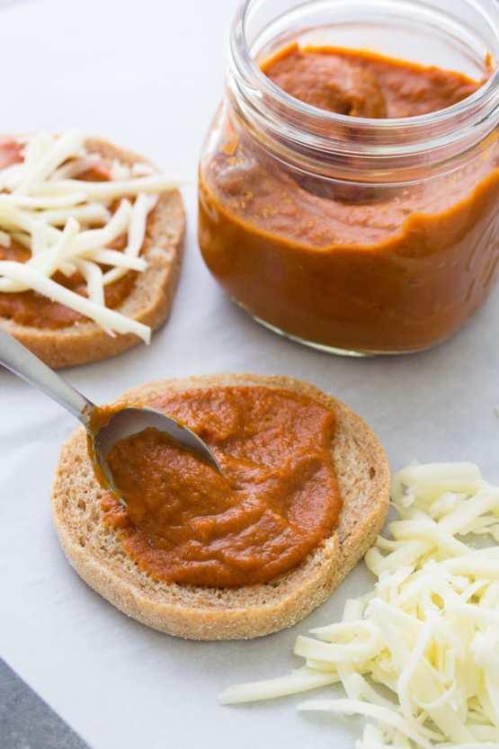 Hidden vegetable pizza sauce for picky toddlers
