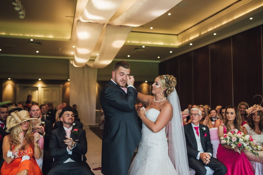 Liverpool Wedding Photographers_0708.jpg