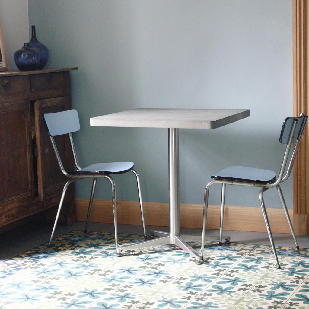 LYON_BETON_BISTRO-TABLE_CARRE_02
