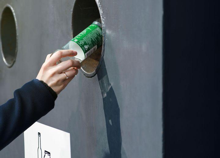 Suomalaisten palauttamat lasipakkaukset kierrätetään jatkossa pääosin Forssassa.