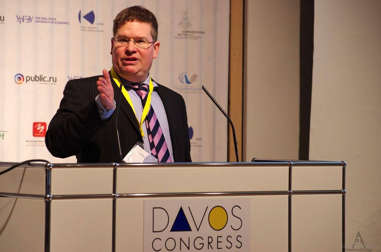 Stuart Bruce moderates Davos World Communication Forum