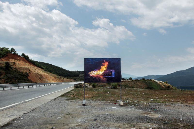 Jin Jun, Burning a Jasper Johns, 2018