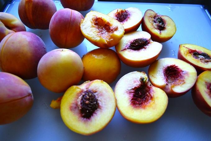 Peach Cobbler | stuckonsweet.com