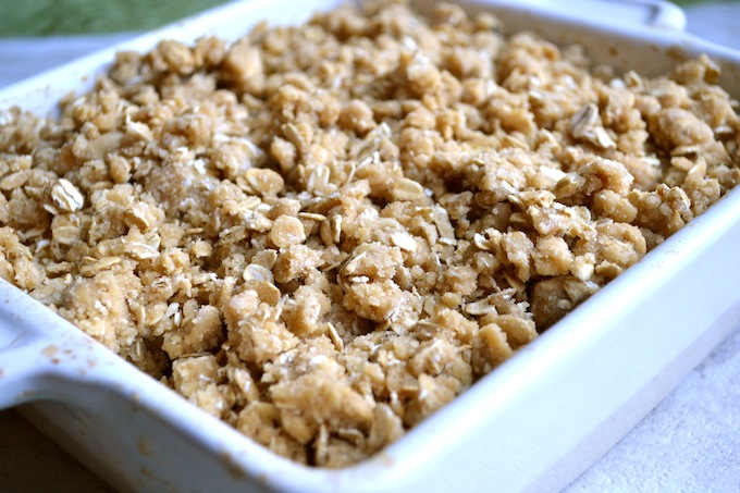 Apple Crisp | stuckonsweet.com