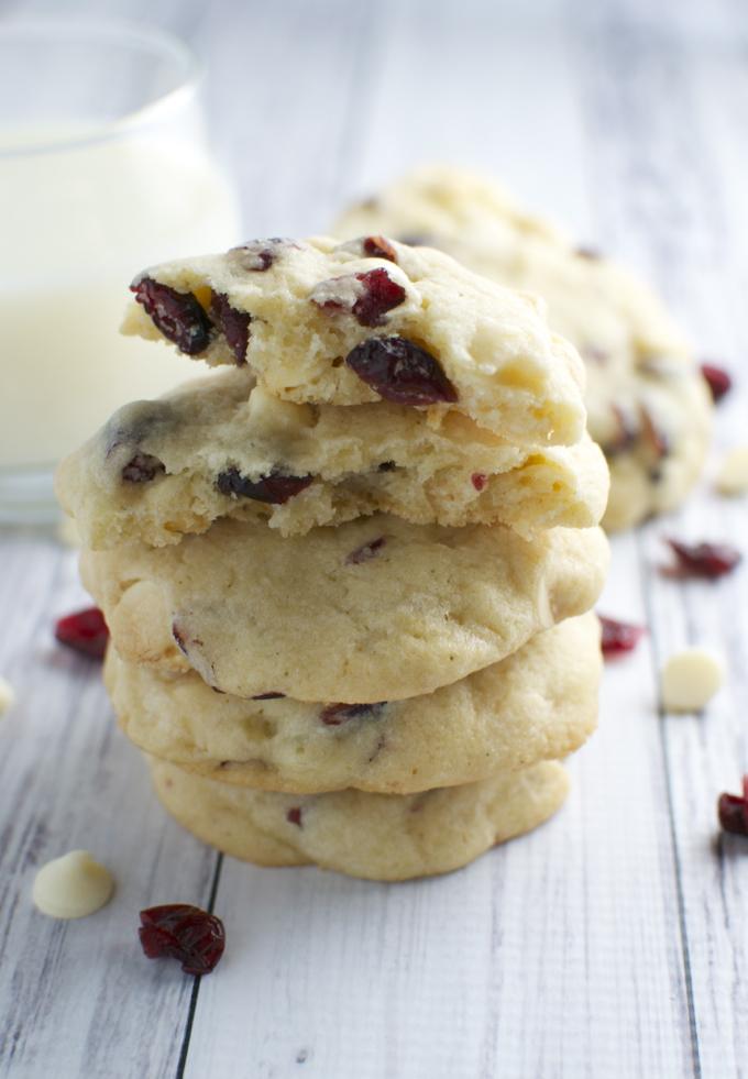 White Chocolate Almond Cranberry Cookies | stuckonsweet.com