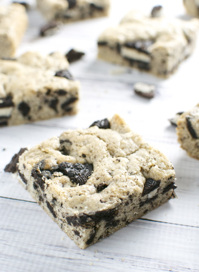 Oreo Cookie Bars | stuckonsweet.com