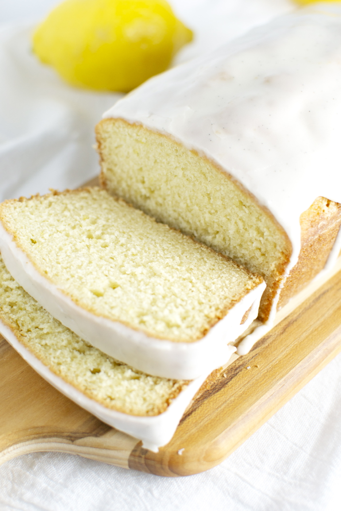 Lemon Bread | stuckonsweet.com