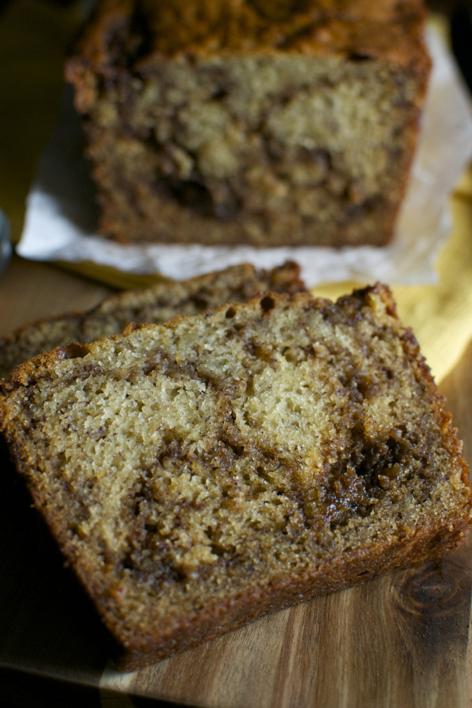 Cinnamon Swirl Banana Bread | stuckonsweet.com