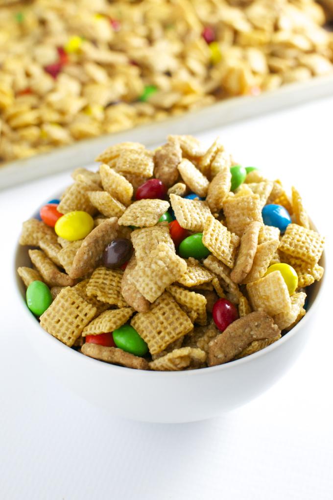 Caramel Chex Mix | stuckonsweet.com