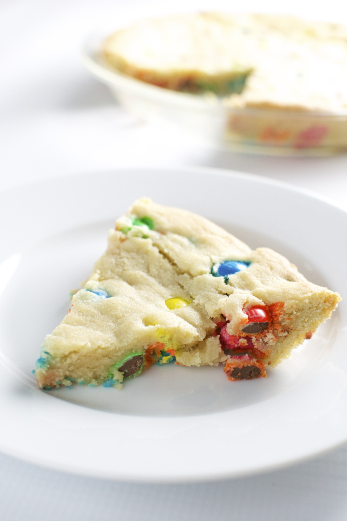 m&m cookie cake | stuckonsweet.com 1