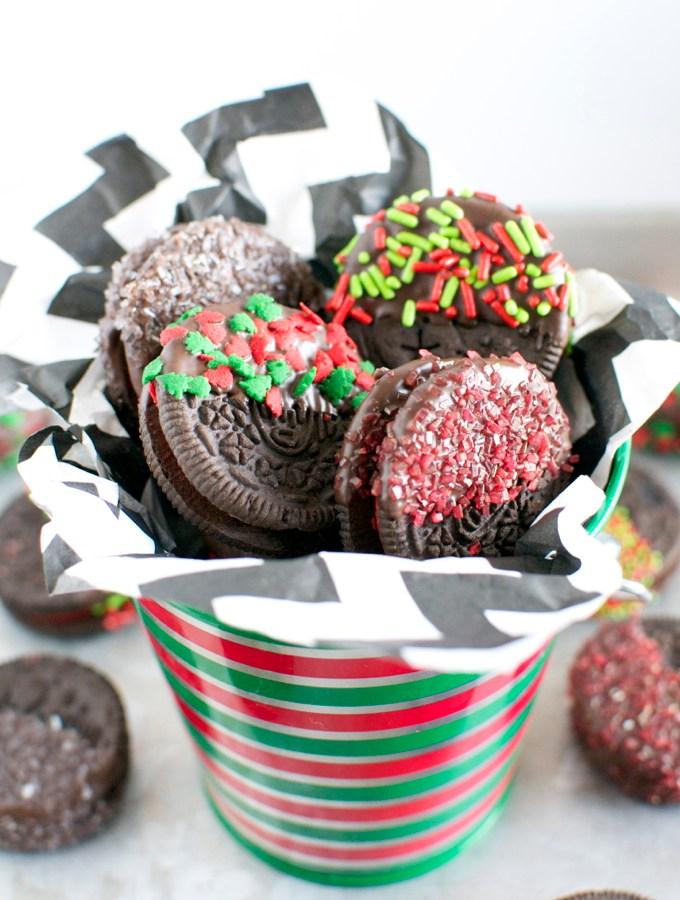 Chocolate Covered Oreos | stuckonsweet.com