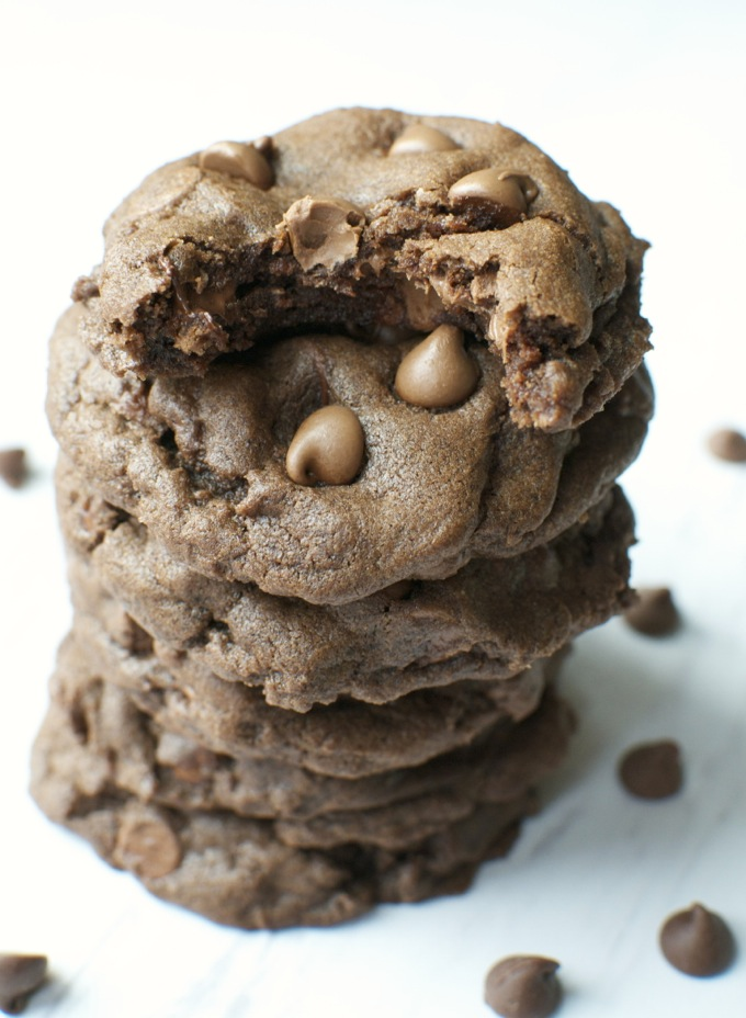 Bakery Style Chocolate Cookies  www.stuckonsweet.com