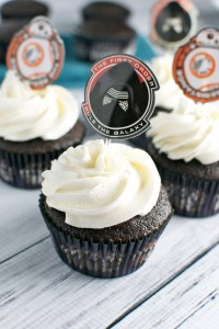 Gluten Free Chocolate Cupcakes with Vanilla Buttercream Frosting