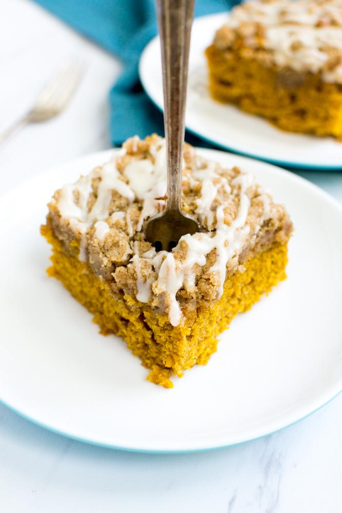 Pumpkin Crumb Cake | www.stuckonsweet.com