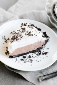 No Bake Oreo Pudding Pie