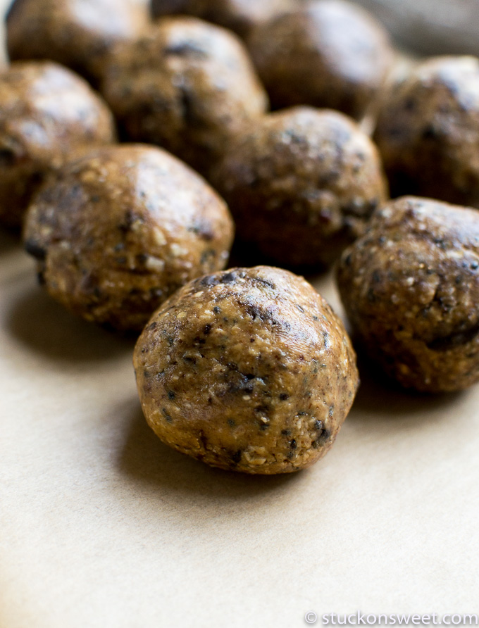 peanut butter chocolate chip energy balls