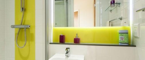 18-fresh-student-living-kingston-davidson-house-04-shared-flat-bedroom-photo-05-990x411.jpg