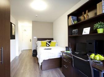 304_highburyaccessibleen-suite.jpg
