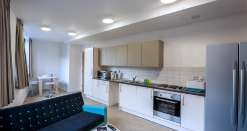 The-Arch-shared-apartment-kitchen-and-lounge-755x400.jpg
