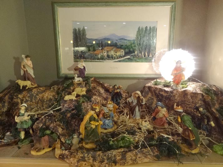 italian-friend-puglia-shares-christmas-holiday-traditions-presepe-vivente-befana