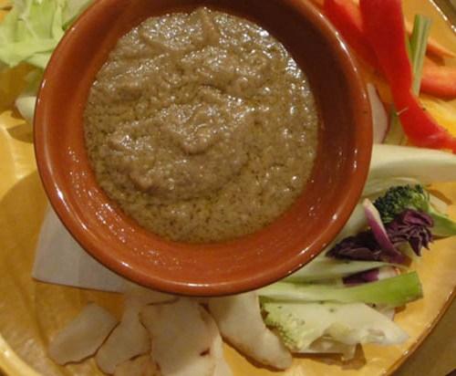 Bagno-cauda-Piemontese-peasant-dish-made-sardines-garlic