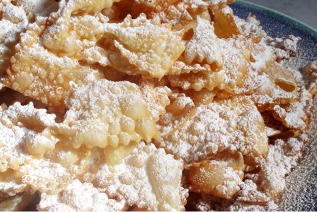 Bugie-venetian-carnival-cookie