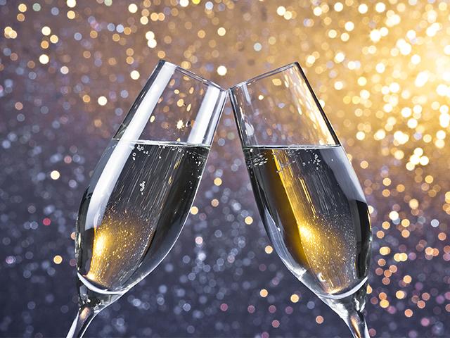 brindo-al-2021-Toasting-brand-new-year-felice-anno-nuovo